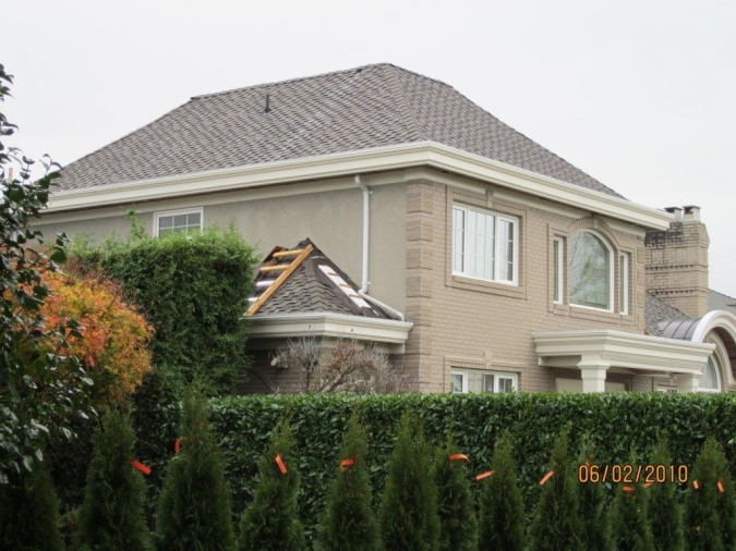 Finding the Best Surrey Roofing Contractor for your Home