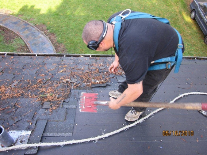 Roof Repair Warning Signs for Older Roofs